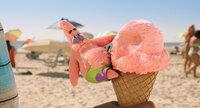 Patrick genießt die Welt jenseits des Ozeans in vollen Zügen, aber gelingt es ihm und seinen Freunden dort auch, die Unterwasserwelt von Bikini Bottom vor dem Untergang zu bewahren?