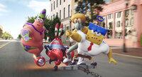 Gelingt es dem schwammigen Team, (v.l.n.r) Patrick, Mr. Krabs, Thaddäus und Spongebob, das geklaute Geheimrezept für die Krabbenburger endlich zurück nach Bikini Bottom zu bringen?