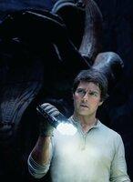 Tom Cruise (Nick Morton).