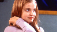Heather (Mena Suvari)
