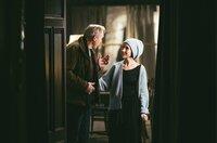 Vertraute Nähe: Neuzugang Thomas Wintersperger (Ulrich Tukur, l.) und die Balletttänzerin Nina (Sibel Kekilli, r.), die mal wieder im Dorf ist.