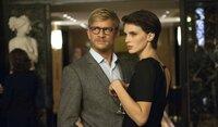 Chloé (Marine Vacth) verliebt sich in ihren Psychotherapeuten  Paul (Jérémie Renier). Schnell werden die beiden ein Paar.