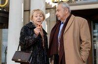 Reginald (Wolfgang Stumph) und Ljudmila (Natalia Bobyleva) versuchen ihr Glück in der Spielbank