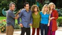 Greg (Ben Stiller) führt die spießig-konservative Familie seiner Verlobten bei seinen Hippie-Eltern ein.. (Foto, v.l.n.r.: Dustin Hoffman, Ben Stiller, Barbra Streisand, Teri Polo, Blythe Danner)