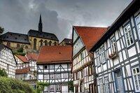 WDR Fernsehen ALLE AUGEN AUF... HISTORISCHE STADTKERNE IN NORDRHEIN-WESTFALEN, am Mittwoch (21.01.15) um 21:00 Uhr. Das Stadtbild von Warburg ist geprägt von historischen Bauten und Fachwerkhäusern.