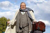 Schmücke (Jaecki Schwarz) überrascht Schneider. Er kommt mit auf die Bootstour.