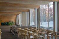 Mittels Materialien wie Glas, Holz, Beton und Ziegel ließ der finnische Meisterarchitekt Alvar Aalto seine modernen Interpretationen von romanischen Foren oder venezianischen Amphitheatern entstehen.