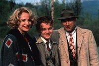 (v.l.n.r.) Caroline Wolff (Ellen Barkin); Toby Wolff (Leonardo DiCaprio); Dwight Hansen (Robert De Niro)