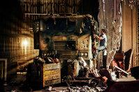 Cade Yaeger (Mark Wahlberg) ahnt nicht, dass es sich bei diesem restaurierungsbedürftigen Lkw um den transformierten Alien-Anführer Optimus Prime handelt, der nach dem Krieg mit den feindlichen Decepticons untertauchen musste ...