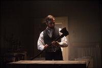 Abraham Lincoln (Benjamin Walker) war nicht nur der 16. Präsident der Vereinigten Staaten und Befreier der Sklaven, sondern auch ein unerbittlicher Jäger blutrünstiger Vampire ...