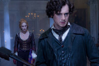 Nachdem seine Mutter von Vampiren getötet wurde, lässt Abraham Lincoln (Benjamin Walker, r.) zu einem Vampirjäger ausbilden. Als er erfährt, dass der Plantagenbesitzer Adam und seine Schwester Vadoma (Erin Wasson) mordende Blutsauger sind, wagt er sich mit einer Axt bewaffnet in die Höhle des Löwen ...
