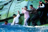 Endlich hat die Crew der Enterprise ein Buckelwalpärchen gefunden. Sie muss es vor einem Walfänger schützen ...
