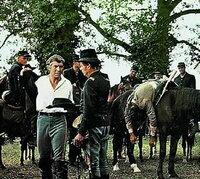 Colonel Rossiter (Richard Widmark, li.) will den Yankees eine gewaltige Herde von 2000 Rindern abjagen, um den hungernden Sueden mit Fleisch zu versorgen.