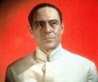 Der geheimnisumwitterte Dr. No (Joseph Wiseman) trachtet James Bond nach dem Leben...
