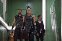 (v.l.n.r.) Thor (Chris Hemsworth); Valkyrie (Tessa Thompson); Bruce Banner/Hulk (Mark Ruffalo)