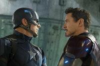 The First Avenger - Civil War  Chris Evans als Steve Rogers/Captain America, Robert Downey Jr. als Tony Stark/Iron Man  SRF/