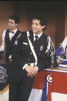 Keiner kann ihn bremsen: Sergeant Mahoney (Steve Guttenberg) ...