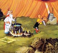 Asterix bekommt von Zauberer Miraculix den Zaubertrank verabreicht.