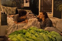 Simon Spier (Nick Robinson); Leah Burke (Katherine Langford)