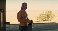 Als verletzlicher Mensch landet Thor (Chris Hemsworth) auf der Erde, um seiner Rolle als Thronfolger gerecht zu werden. Für ihn als ehemaliger Gott keine leichte Aufgabe ...