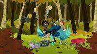 Das Wild-Team (v.li.: Stella, Chloe und Jimmy) befreien Chris aus seinem Truthahn-Kostüm.