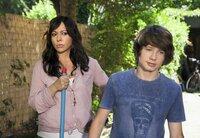 Leicht skeptisch beobachtet Sofie (Simone Thomalla) ihren pubertär-verliebten Sohn Phillip (Lukas Schust).
