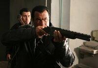 Kantana-Meister Tagart (Steven Seagal) führt eine Spezialeinheit aus Ex-Militärs in eine Massaker-Mission. Ihre Gegner: Vampire.