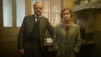 John Mayhew (Toby Jones) und Alice Mayhew (Hayley Carmichael)