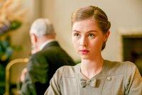 Hermione Corfield (Emma Garland).