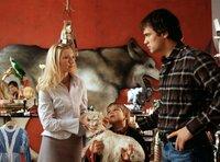 Leonie (Johanna Christine Gehlen) und ihr Sohn Valentin (Jonas Lovis) ahnen noch nicht, dass sie ihren Traumprinzen (Ralf Bauer) gefunden haben.