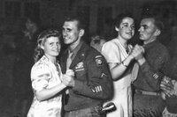 """Die deutschen """"Frolleins"""" sind bei den amerikanischen Besatzungssoldaten beliebt."""