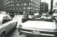 Auch die Autoindustrie schaut nach USA. Bis in die 60er-Jahre sind Heckflossen und Chrom der letzte Schrei.