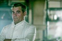 Gordon Kennedy (Robbie).