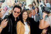 L-R: Eddie (John Cusack) und Gwen (Catherine Zeta-Jones)