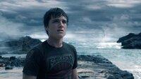 Sean (Josh Hutcherson)