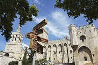 Blick auf den Papstpalast in Avignon.
