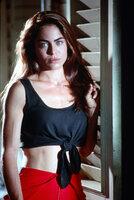 Die attraktive Fallschirmspringerin Jessie Crossman (Yancy Butler) steht Nessips Vermutung zunächst skeptisch gegenüber ...