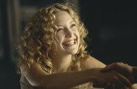 Die attraktive Penny Lane (Kate Hudson) reist mit einer Rock-Band durch Amerika. Da stößt der 15-jährige William zu der Gruppe ...