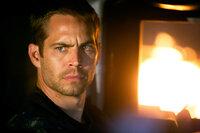 Bei seinen Undercover-Ermittlungen in einem anderen Fall trifft Brian (Paul Walker) einen alten Bekannten wieder ...