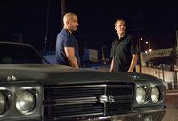 Dass er bei seinen Ermittlungen ausgerechnet auf den per Haftbefehl gesuchten Dom (Vin Diesel, l.) stößt, hätte Brian (Paul Walker, r.) nie erwartet ...