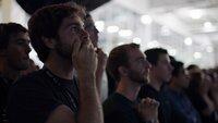Nervenaufreibende Spannung im Kontrollzentrum des kommerziellen Raumfahrtunternehmens SpaceX: War die jahrelange Arbeit erfolgreich?