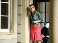 Sophie Haas (Caroline Peters) hasst Hausarbeiten jeglicher Art - sie macht sich auf die Jagd nach einer Putzfrau.
