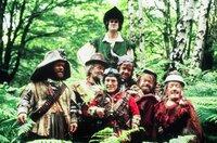 Die Reise geht weiter in den mittelalterlichen Sherwood Forest, wo die Abenteurer auf Robin Hood (John Cleese, hi.) stoßen.