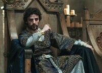 Als Nachfolger seines Bruders Richard Löwenherz greift der frisch ernannte König John (Oscar Isaac) hart durch.