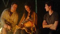 Alles wegen Gracia -  v. l. Chase bester Freund, Cracia Davis (Moriah Peters), Chase Morgan (Chris Massoglia)