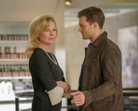 Die kühle Elena Lincoln (Kim Basinger) hat Christian Greys (Jamie Dornan) Vergangenheit stark geprägt.