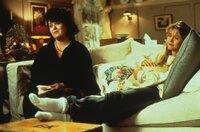 Bei der Edelschnulze 'Die große Liebe meines Lebens' geraten Annie (Meg Ryan, r.) und ihre beste Freundin (Rosie O'Donnell, l.) ins Träumen ...