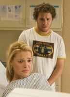 From left: Amy (Katherine Heigl), Ben (Seth Rogen)
