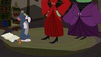 Erwischt: Die beiden Hexen sind wach und stehen Tom und Jerry gegenüber.
