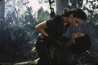 Kann James Bond (Pierce Brosnan) den Kampf gegen Xenia Onatopp (Famke Janssen) gewinnen?